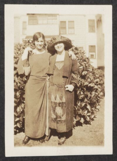 Sybil and Beryl Molleson Photograph, June 1923 (image)