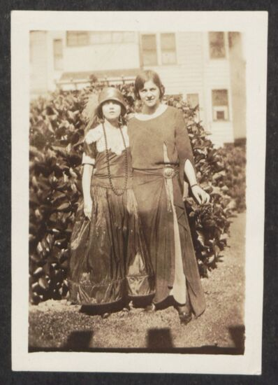 Teedee and Sybil Photograph, June 1923 (Image)