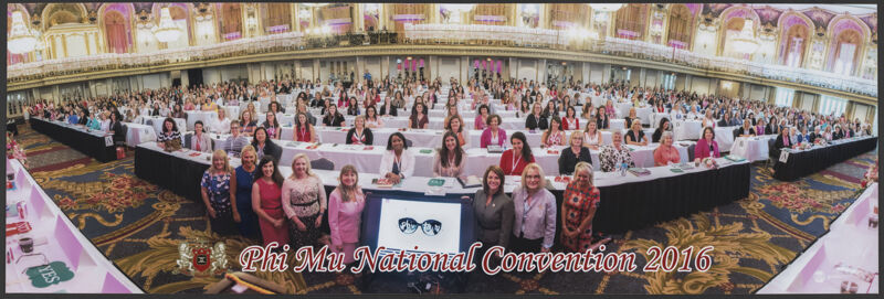 Phi Mu National Convention Group Photograph 1, July 5-10, 2016 (Image)