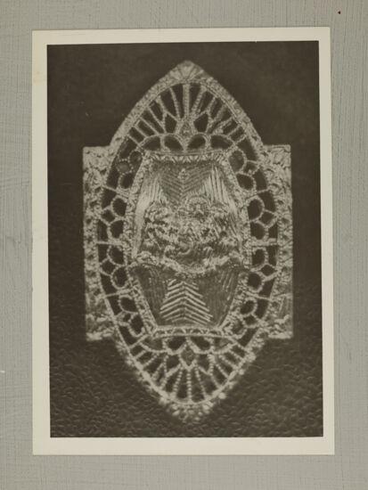 Crest Pin Photograph, 1916 (Image)