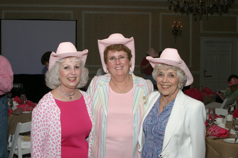 Gloria Henson and Two Unidentified Phi Mus at Convention 1852 Dinner Photograph, July 14, 2006 (Image)