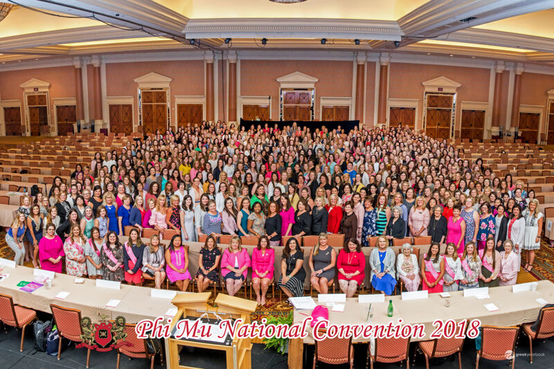 Phi Mu National Convention Group Photograph, 2018 (Image)
