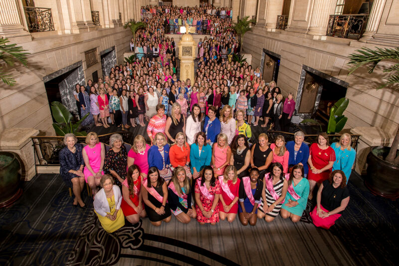 Phi Mu National Convention Group Photograph 2, July 5-10, 2016 (Image)