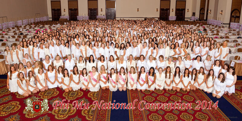 Phi Mu National Convention Group Photograph, 2014 (Image)